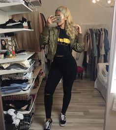 "1,365 Likes, 28 Comments - Rana Sheibani  (@ranasheibani) on Instagram: ""Bigger Dreams  #fblogger #fashionblogger #potd #ootd #ootn #kotd @yeezytalkworldwide…"""