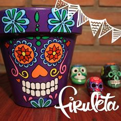 Yard Art Crafts, Skull Crafts, Diy Arts And Crafts, Handmade Crafts, Painted Plant Pots, Painted Flower Pots, Flower Pot Crafts, Clay Pot Crafts, Mexican Party Decorations