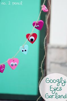Googly Eyes Heart Garland for Valentine's Day- my kids would get a kick out of this...with instructions