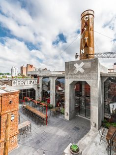 OLD POLICE STATION IS TRANSFORMED INTO A BREWERY IN ARGENTINA