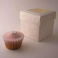 Cupcake Boxes with Clear Lids - Ivory: 90mm