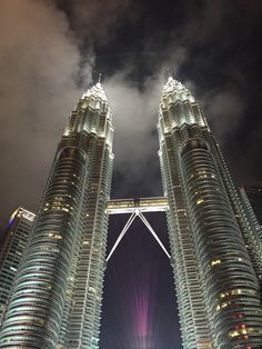Unsere Highlights von Kuala Lumpur - Petronas Twin Towers, Merdeka Square, Königspalast Istana Negara, China Town - tourlina Reiseblog - tourlina.com - Kommst Du mit?