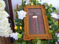 Ο Σταυρός ήταν το λάβαρο του Πατροκοσμά στις περιοδείες του Frame, Home Decor, Picture Frame, Decoration Home, Room Decor, Frames, Home Interior Design, Home Decoration, Interior Design
