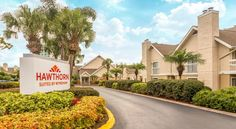 Hawthorn Suites By Wyndham Orlando International Drive Orlando This all-suite hotel in Orlando is 14.5 km from Walt Disney World and 3.2 km from the Orange County Convention Center. The hotel offers a daily hot breakfast buffet and a fully equipped kitchen in every suite.