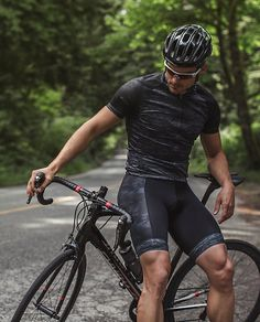 Men's Recon Bibshort | Road, mountain or cyclocross, these bibshorts are your cycling go-tos. Sweat-wicking fabric helps you keep your cool and a padded chamois helps the boys stay comfortable on long rides. Ride on!