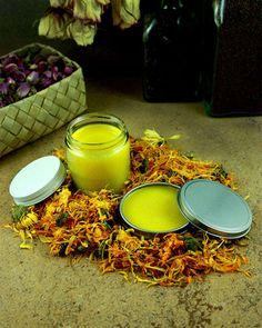 Calendula, Lavender & Shea Butter Balm- something about calendula makes me so happy :) Natural Home Remedies, Herbal Remedies, Health Remedies, Be Natural, Natural Healing, Natural Skin, Natural Beauty, Natural Medicine, Herbal Medicine