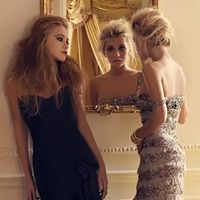 Mary-Kate & Ashley Olsen.. amazing fashion icons and love the hair!