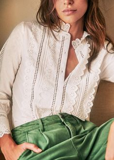 Sézane - Chemise Agalia Inspiration Dressing, Style Inspiration, Spieth Und Wensky, Classy Outfits, Vintage Outfits, Casual Elegant Style, Mein Style, Kinds Of Clothes, Work Blouse