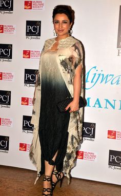Bollywood fashion 361202832613153551 - Tisca Chopra at Shabana Azmi's fashion show 'Mijwan'. Source by aichagueye Pakistani Outfits, Indian Outfits, India Fashion, African Fashion, Stylish Dresses, Fashion Dresses, African Print Dress Designs, Bollywood Fashion, Bollywood Saree