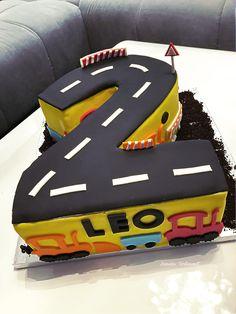 Torte zum 2. Geburtstag Torte für Jungs Bagger Traktor