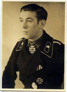 Uffz. Karl Hofer. Zugf. en ek 3./Pz.Jäg.Abt. 49. RK. 26.10.1943.