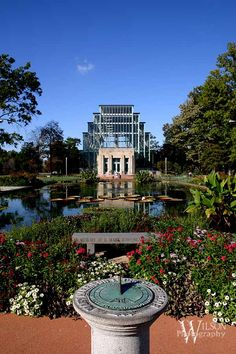 Forest Park in St. Louis is great for artistic inspiration. Here is the Jewel Box Greenhouse. St Louis Mo, Landscaping Software, Cool Cafe, Local Events, Photo Location, Travel Posters, Travel Usa, Missouri, Landscape Design