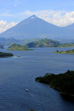 Located off the beaten path in southwestern #Uganda, Lake Mutanda is one of the most idyllic natural settings in #Africa
