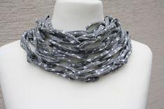 gemustert - Loop Schlauchschal grau weiß Herz Tuch Schal  - ein Designerstück von trixies-zauberhafte-Welten bei DaWanda