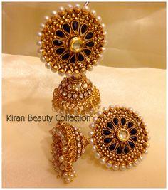 Gold Jhumka Earrings, Jewelry Design Earrings, Gold Earrings Designs, Gold Jewellery Design, Antique Earrings, Indian Jewelry Sets, Indian Wedding Jewelry, Diy Earrings Easy, Jewelry Patterns
