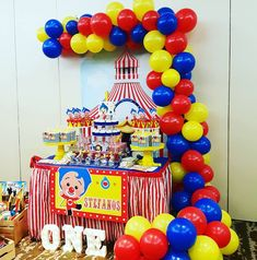 Carnival Themed Party, Carnival Themes, Circus Party, Carnival Birthday, 3rd Birthday Parties, Baby Birthday, Fiesta Decorations, First Birthdays, Minnie