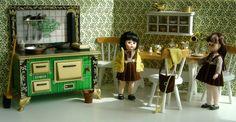 Old-fashioned Flowery Vintage Kitchen   by GoodGollyMissDollyUK