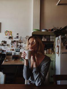 So many kissy faces I'm sorry but happy Sunday and don't forget to drink yo coffee ❤️ @forloveandlemons @hannahleedavisphoto @haazyblues