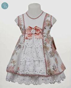 Blog Retamal Moda Intantil | Últimas tendencias, sugerencias e ideas en moda bebe, niño y adolescente Little Girl Dresses, Girls Dresses, Flower Girl Dresses, Dressy Dresses, Cute Dresses, Toddler Fashion, Kids Fashion, Frock Patterns, Baby Girl Patterns