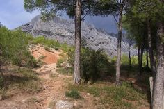I've hiked up to the top of this mountain! Famous from Cezanne's many paintings there :)