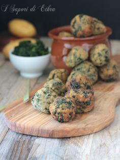 Polpette con spinaci e crema di patate sfiziosissime Other Recipes, Raw Food Recipes, Meat Recipes, Healthy Recipes, Healthy Weeknight Dinners, Incredible Recipes, Vegan Dishes, Light Recipes, Creative Food