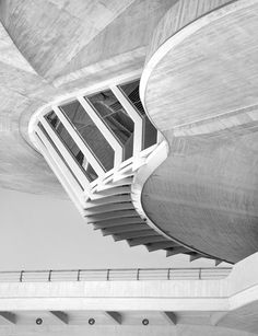 The City of Arts and Science /Santiago Calatrava  Location: Valencia. Spain / Photography: Tobias Wilden