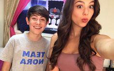 Kira Kosarin (@kirakosarin)   Twitter Diego Velazquez The Thundermans, Addison Riecke, Ella Anderson, Disney Princess Fashion, Kira Kosarin, Funny Disney Memes, Be A Nice Human, Actors & Actresses, Movie Tv