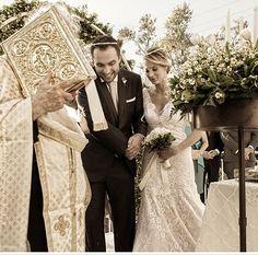 Chic καλοκαιρινός γάμος | Καρολίνα & Ιάκωβος Greek Wedding, Lace Wedding, Bridesmaid Dresses, Wedding Dresses, Wedding Ideas, Fashion, Bridesmade Dresses, Bride Dresses, Moda