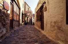 Narrow streets in the city,perfect photo shooting!