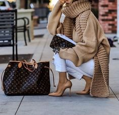 Casual Outfits 803681495987587463 - Tendances mode hiver 2019 – Tendances mode 2019 Source by Mode Outfits, Winter Outfits, Casual Outfits, Fashion Outfits, Womens Fashion, Fashion Trends, Casual Shirt, Women's Casual, Sporty Chic Outfits