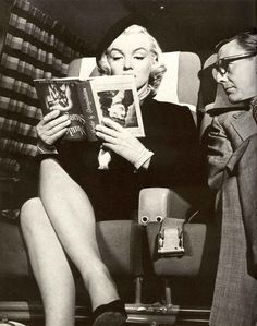 A Life in Pictures: Marilyn Monroe in 'How to Marry a Millionaire'. #comedygold #classics