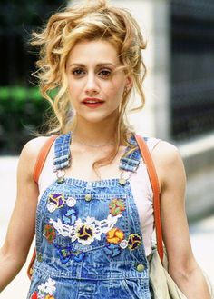 Brittany Murphy's Dungaree dress in 'Uptown Girl' film is so cute