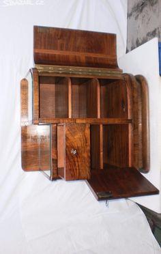 Noční stolek - obrázek číslo 3