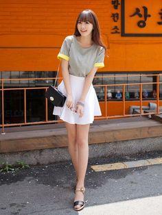 Korean Fashion – How to Dress up Korean Style – Designer Fashion Tips K Fashion, Asian Fashion, Trendy Fashion, Fashion Models, Fashion Outfits, Womens Fashion, Fashion Clothes, Style Ulzzang, Ulzzang Fashion