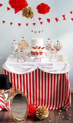 """Mesas de dulces o \"""" candy buffet \"""" para comuniones"""