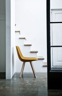 The Eyes Wood chair was designed by the Danish design duo Johannes Foersom & Peter Hiort-Lorenzen for Erik Jørgensen. The chair features organic forms and natural materials, that quickly put it on the rise to becoming a modern classic. Minimalist Scandinavian, Scandinavian Design, Furniture Sets, Furniture Design, Wood Chair Design, Interior Design Photography, Staircase Design, Classic Furniture, Mid Century Furniture