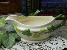Rare Vintage Franciscan Ivy Gravy Dish- Wedgwood - Made in England by on Etsy Irish Cottage, Cozy Cottage, Franciscan Ware, Beautiful Home Gardens, House Beautiful, Miss And Ms, Ivy Plants, Ivy House, Kitchen Themes