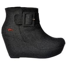 Rocketdog boots £29.99 with free postage!! http://www.ebay.co.uk/itm/NEW-WOMENS-LADIES-ROCKET-DOG-LAUREN-WEDGE-ANKLE-BOOTS-GREY-BUCKLES-SIZE-5-6-/251353457757?pt=UK_Women_s_Shoes&var=&hash=item801fd3b3b5