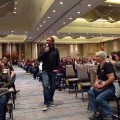 .@mark_sheppard answers questions from the floor. Per usual. #torcon