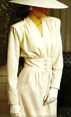 YSL HAUTE-COUTURE spring & summer 1984 This 1984 elegant winter white outfit with matching hat by Yves Saint Laurant is… 80s Fashion, Fashion History, Look Fashion, Couture Fashion, Trendy Fashion, Vintage Fashion, Fashion Outfits, Fashion Design, Fashion Trends