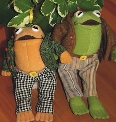 """I am happy. I am very happy. This morning when I woke up I felt good because the sun was shining. I felt good because I was a frog. And I felt good because I have you as a friend."" **Frog and Toad plushie inspiration** Lobe, Cute Frogs, Frog And Toad, Goblin, Plushies, Childhood, Artsy, Pastel, Crafty"