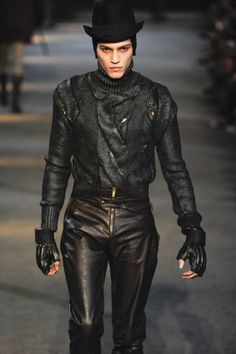 monsieurcouture: Alexander McQueen F/W 2009 Menswear Milan...