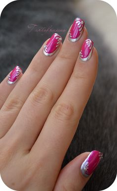 Nail art ruffian manucure revisitée - Lilly is Love Chrome Nails Designs, Nail Tip Designs, Grey Nail Designs, Colorful Nail Designs, Acrylic Nail Designs, Red And Gold Nails, Purple Nails, Pink Nail Art, Cool Nail Art