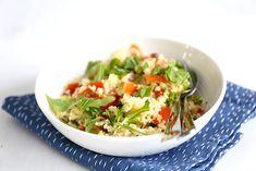 Couscoussalade met feta Barbacoa, Queso Feta, Vegan, Finger Food, Soup And Salad, Japchae, A Food, Cabbage, Bbq