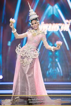 miss grand thailand 2017 77 848928598480683743 Thailand National Costume, Thailand Costume, Thai Dress, Thai Style, Beauty Pageant, Vogue Magazine, Costume Dress, Beauty Queens, Traditional Dresses