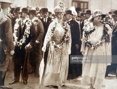 Queen Mary of Great Britain with Queen Marie of Romania 1924 Queen Victoria Family, Princess Victoria, Princess Mary, George Duke, King George, Queen Mary, Queen Elizabeth Ii, Royal Family Lineage, Albert King