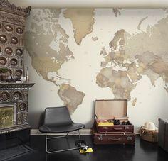 Märk ut dina favoritplatser i världen med pins ellerfäst egna minnen eller vykort direkt på tapetenoch skapa dig din egen värld!