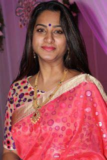 Shriya Saran Latest Cleavage Photos In Saree | indian filmy actress