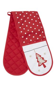Primark red Christmas oven gloves - perfect for taking out that tasty roast dinner!