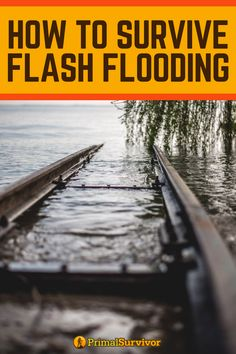 How to Survive Flash Flooding. By definition, a flash flood occurs swiftly without any real warning. The National Weather Service warns that flash flooding can occur within minutes of excessive rai… Survival Supplies, Emergency Supplies, Survival Prepping, Survival Gear, Survival Skills, Apocalypse Survival, Survival Shelter, Safe Drinking Water, Flood Zone